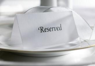 Как заказать столик на английском?