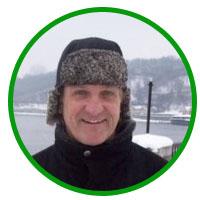 Wayne - преподаватель английского в школе Native English